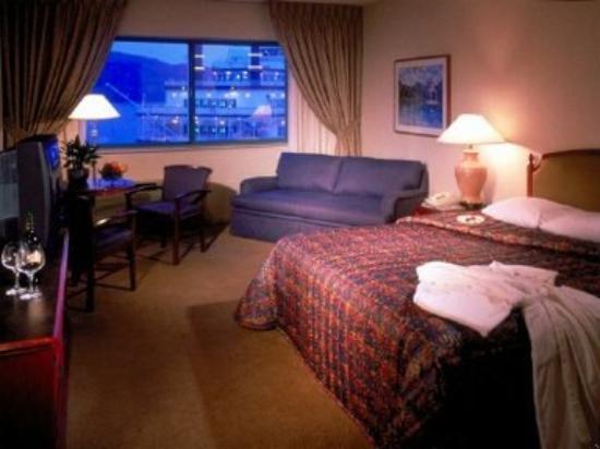 Grand Victoria Casino and Resort by Hyatt: Guest Room