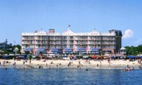 Boardwalk Plaza Hotel: Exterior