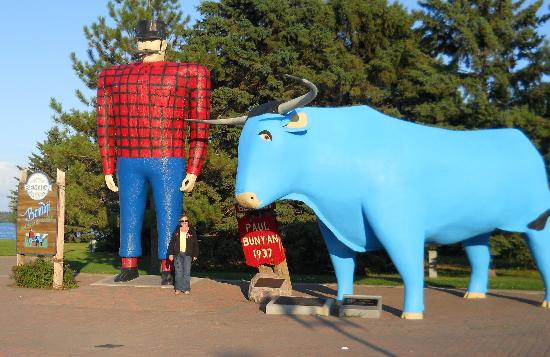 AmericInn Lodge & Suites Bemidji: 2 new friends!!
