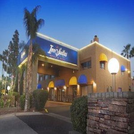 Photo of Hotel Tempe/Phoenix Airport InnSuites Hotel & Suites