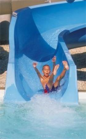 Vacation Inn Hotel & Convention Center: Waterslide