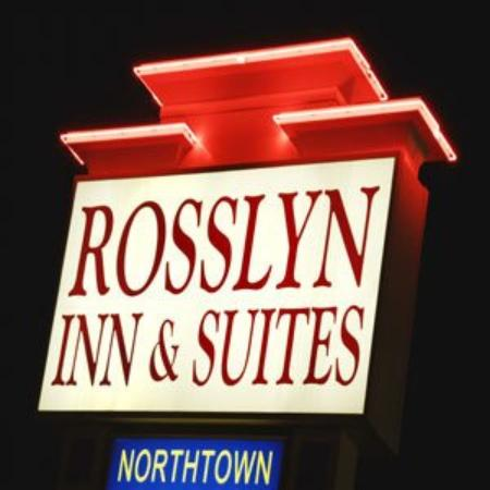 Rosslyn Inn and Suites: Hotel Sign Exterior Shot