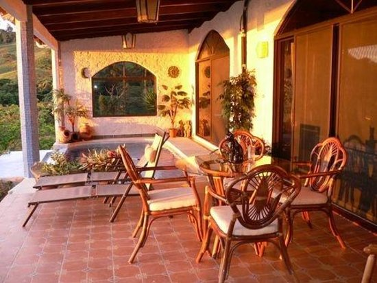 La Mansion Inn Arenal Hotel: Royal Cottage Terrace