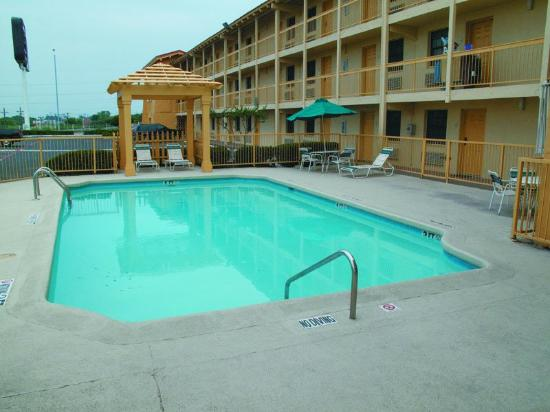 La Quinta Inn Fort Worth West Medical Center: Pool