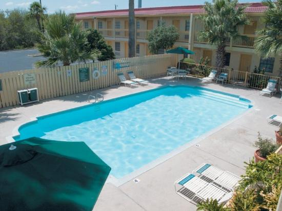 La Quinta Inn San Antonio Lackland: Pool