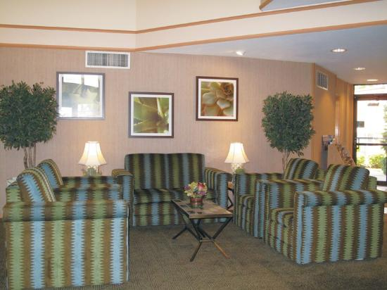 La Quinta Inn &amp; Suites Salt Lake City Layton: Main Lobby