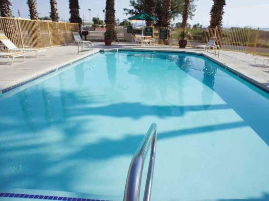 La Quinta Inn Phoenix Thomas Road: Pool