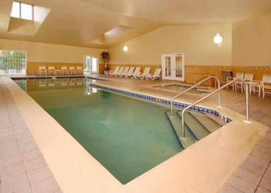 Comfort Inn Fond Du Lac: Pool