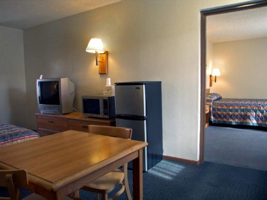 Rodeway Inn Riverside: Family Suite