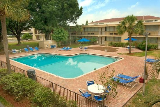 BEST WESTERN Brandon Hotel &amp; Conference Center: Outdoor Pool