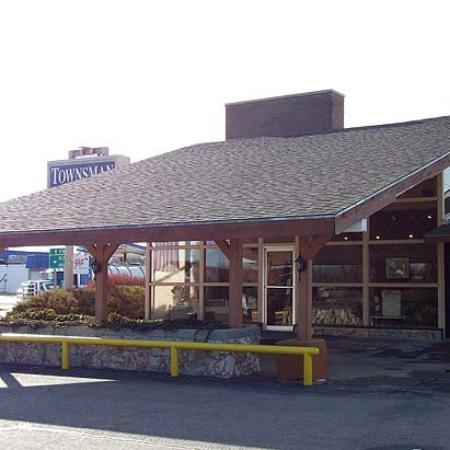 Townsman Inn Larned: Exterior (OpenTravel Alliance - Exterior view)