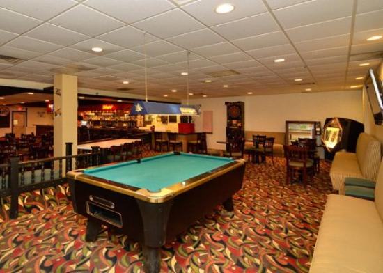Quality Inn &amp; Suites Indiana: Other Hotel Services/Amenities