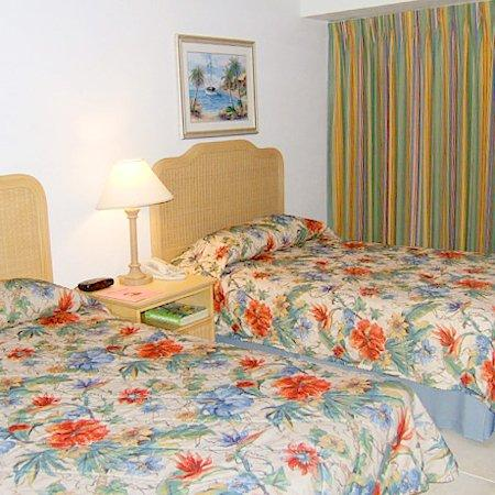 Castaways Resort &amp; Suites Grand Bahama Island: Castaway Resortand Suites Beds