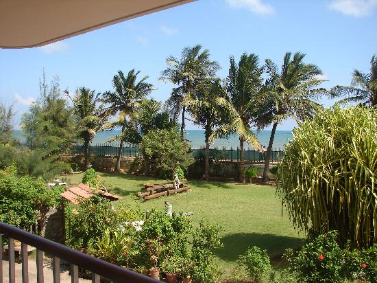 Vue sur jardin picture of park guest house pondicherry tripadvisor for Cheap hotels in pondicherry with swimming pool