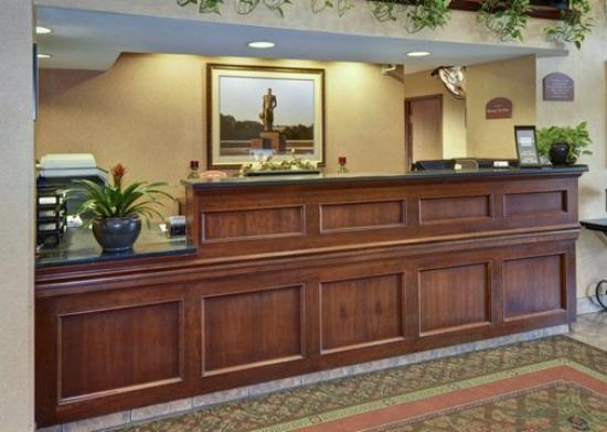 Comfort Inn: MIFront Desk
