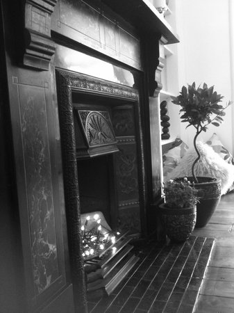Edinburgh's Grouse House : Victorian Fireplace