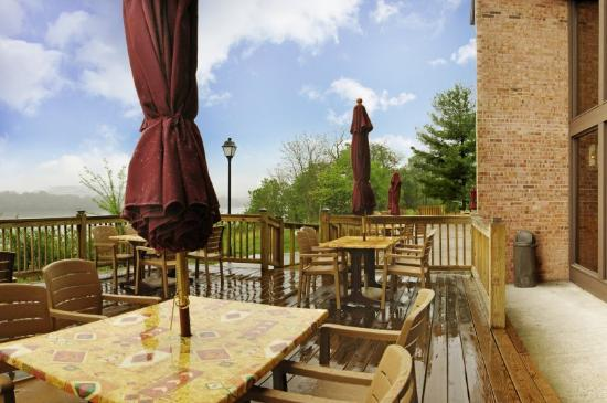 Vevay, IN: Patio