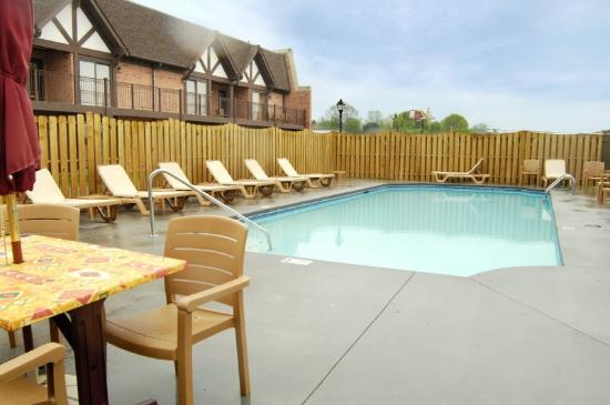 Vevay, IN: Outdoor Pool