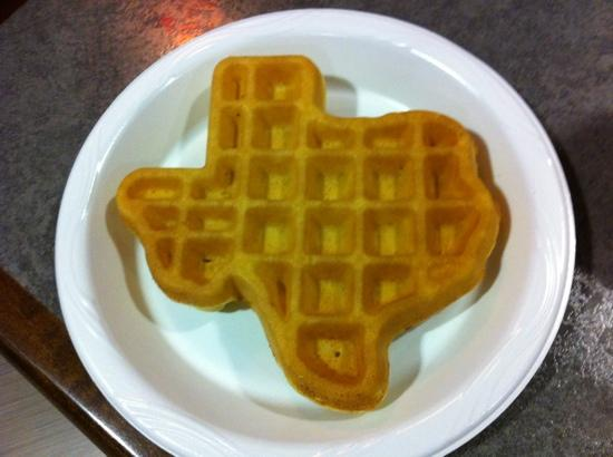 ‪‪BEST WESTERN PLUS Austin Airport Inn & Suites‬: Texas waffle‬