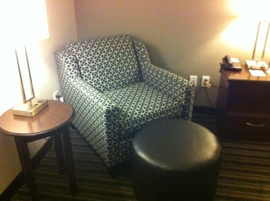 ‪‪BEST WESTERN PLUS Austin Airport Inn & Suites‬: comfy chair‬