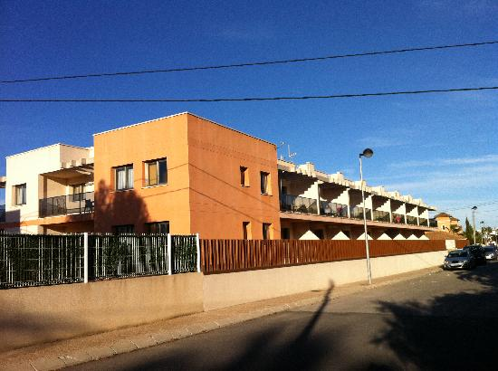 Apartamentos Albir palace: Front of the Apartments (South Side)