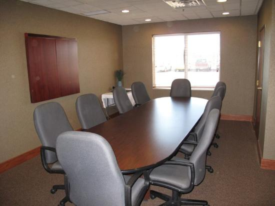 La Quinta Inn & Suites Omaha Airport - Carter Lake: Meeting Room