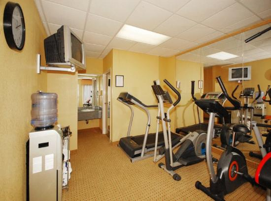 Colonial Inn: Exercise Facility