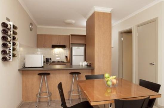 Ringwood Royale Apartment Hot