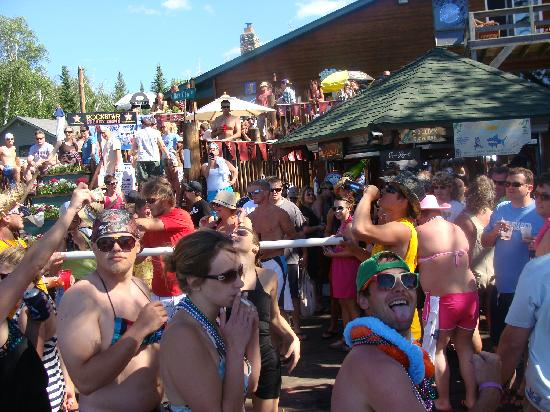 Bay View Lodge: Party Central!!