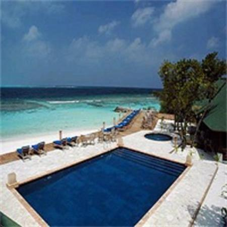 Helengeli Island Resort: Pool View