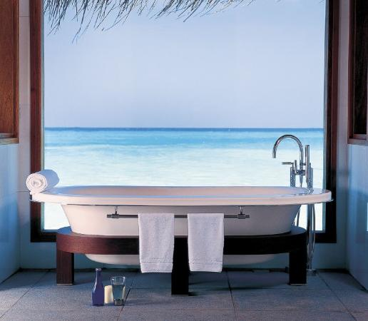 "Foto från <a href=""/Hotel_Review-g2104645-d320990-Reviews-Huvafen_Fushi-Huvafen_Fushi_Island.html"">Huvafen Fushi</a>: Lagoon Bungalow"