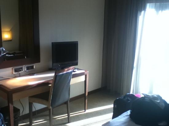 Lux Fatima Hotel: LCD TV and data ports.