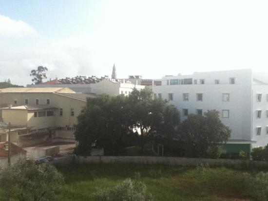 Lux Fatima Hotel: View of the cathedral from the hotel room