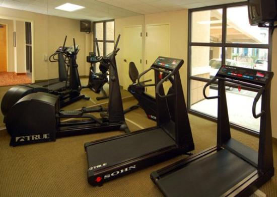 Clarion Hotel Mansion Inn: Fitness Room