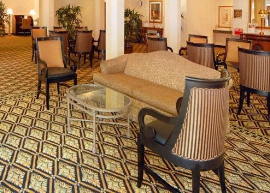 Clarion Hotel Mansion Inn: Lobby