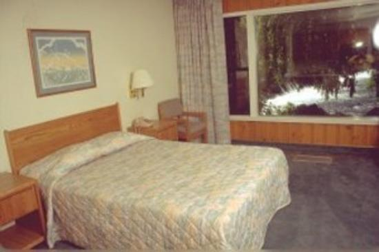 Photo of Bend Riverside Inn & Suites