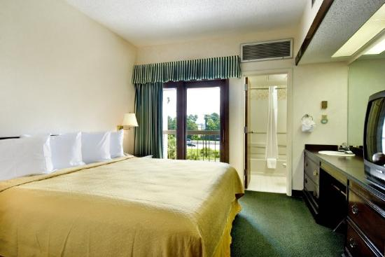 Photo of Quality Suites Convention Center North Charleston