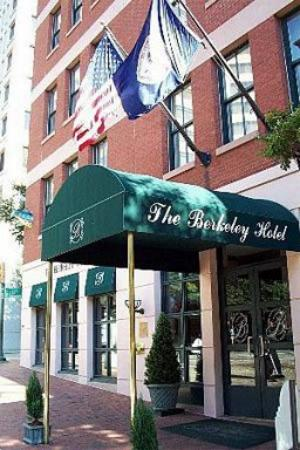 The Berkeley Hotel: Exterior