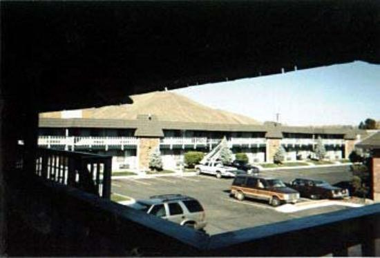 Sun Country Inn Yakima: Exterior