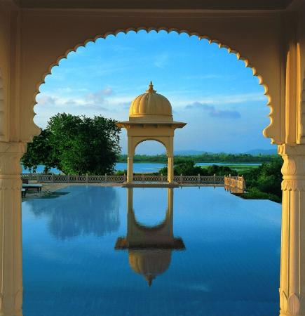The Oberoi Udaivilas: Pool view