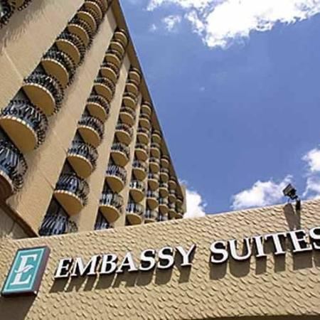 ‪Embassy Suites by Hilton Hotel Kansas City - Plaza‬