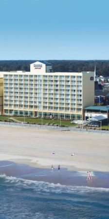 Fairfield Inn & Suites Virginia Beach Oceanfront: Exterior