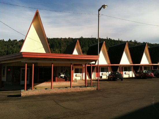 Ranch Motel: Exterior View