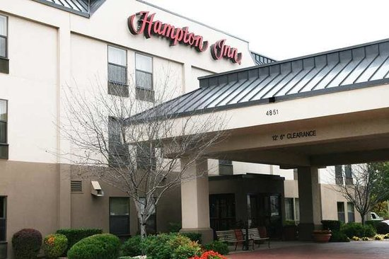‪Hampton Inn Shawnee‬