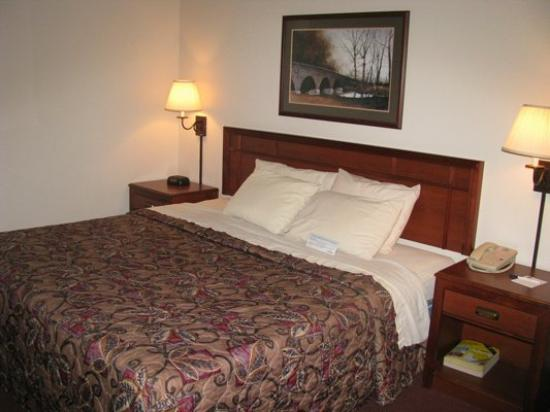 AmericInn Motel &amp; Suites Blackduck: Room
