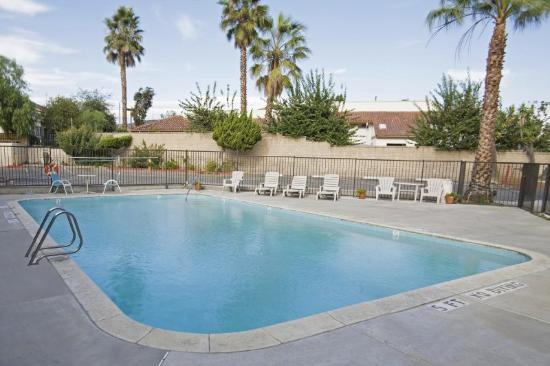 Americas Best Value Inn-Thousand Oaks: Pool