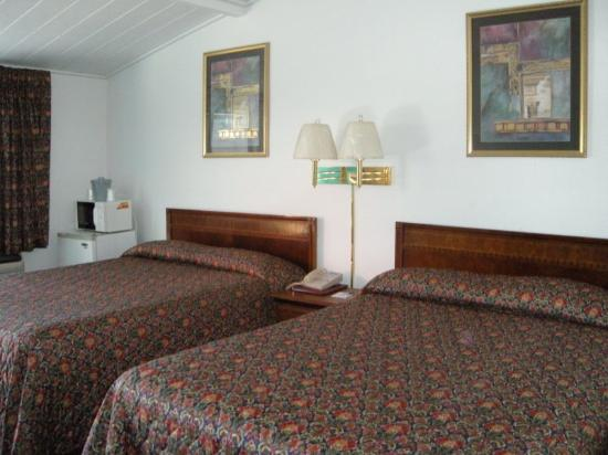 Bridgewater Motel: Guest Room