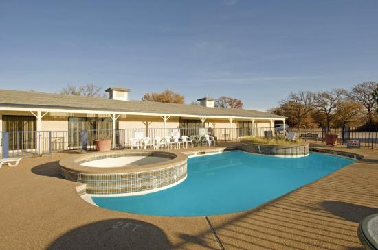 Americas best value inn cisco tx hotel reviews for Show pool cisco