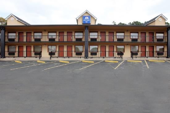 Americas Best Value Inn-Columbus: Exterior