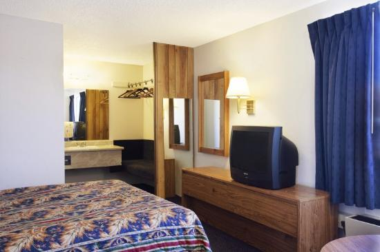 Americas Best Value Inn Carson City: King Standard 2